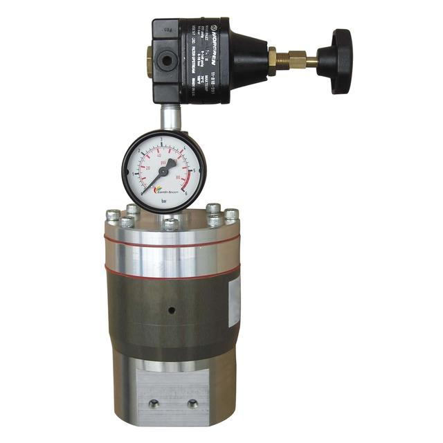 Airmix piloted regulator